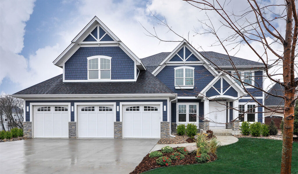A house for sale in Norfolk County near golf and the lake