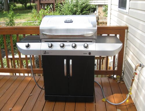 Grilling Season: Gas or Charcoal?